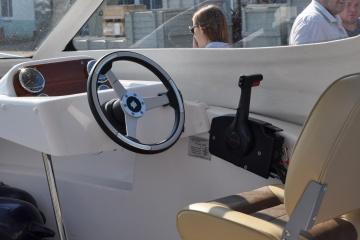 Прогулочный катер из стеклопластика Vympel 5400 HT