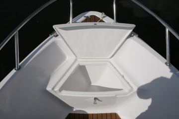 Прогулочный катер из стеклопластика Vympel 5400 MC